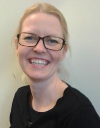 Karina Sletved (indehaver)